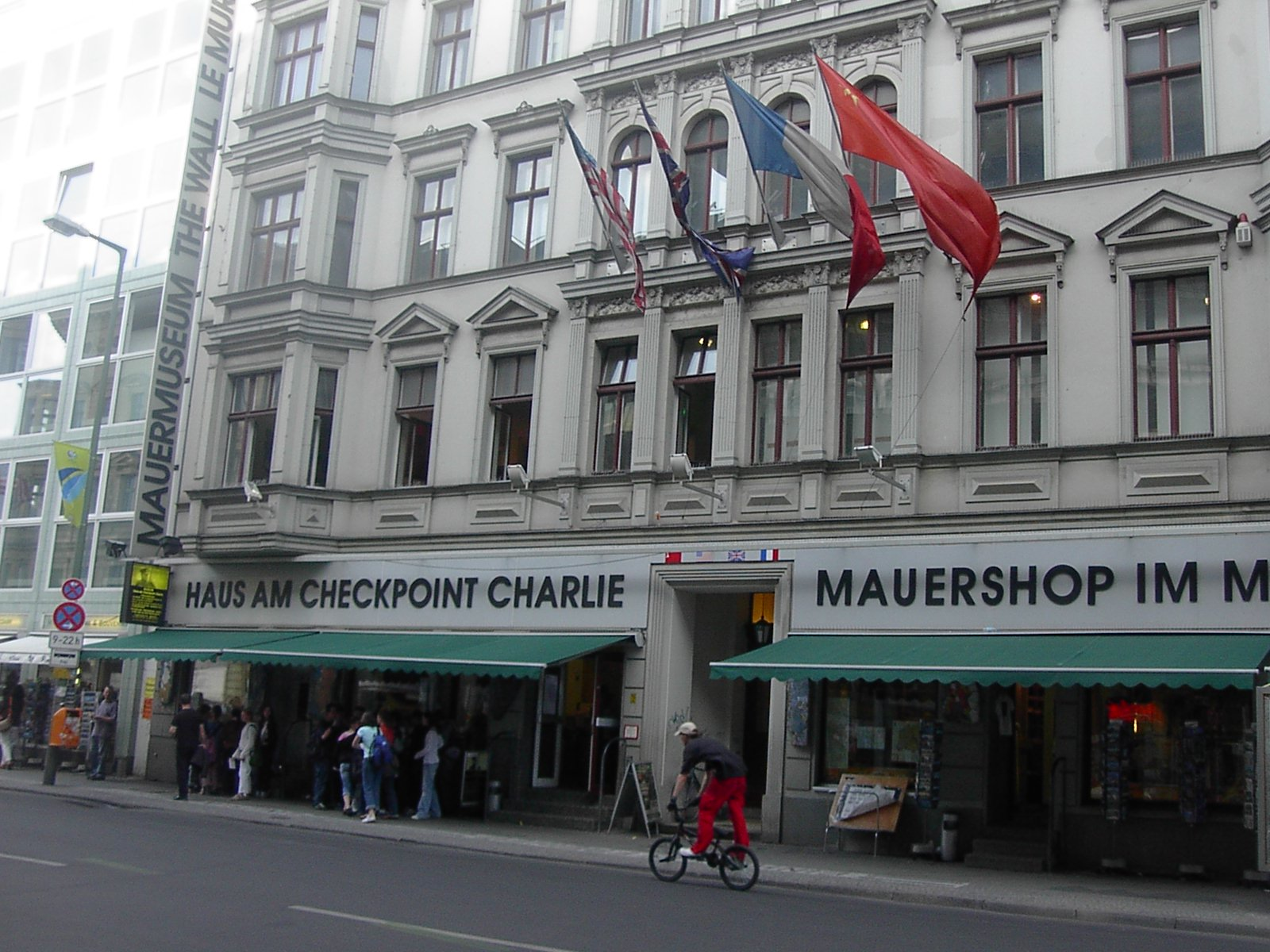 Checkpoint Charlie Museum