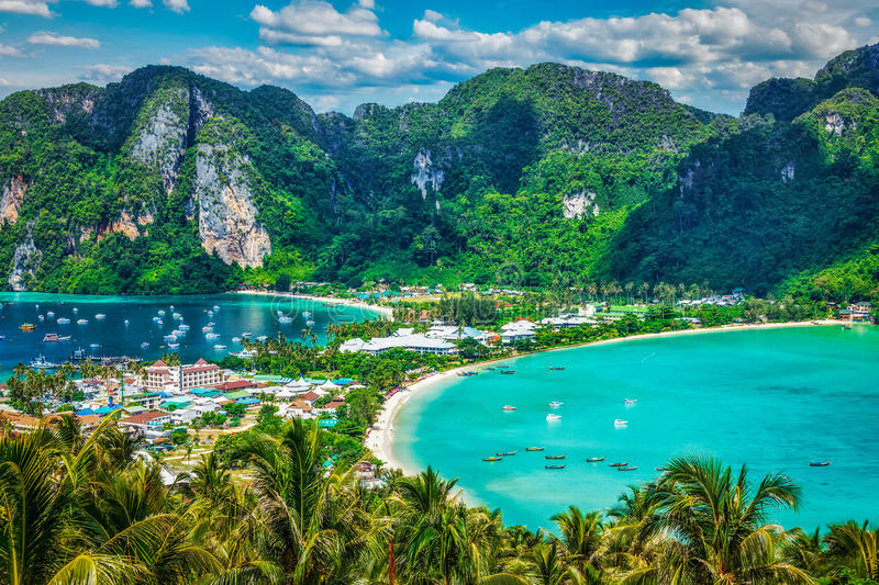 Top 10 Things to do in Thailand: Take a Trip to Koh Phi Phi
