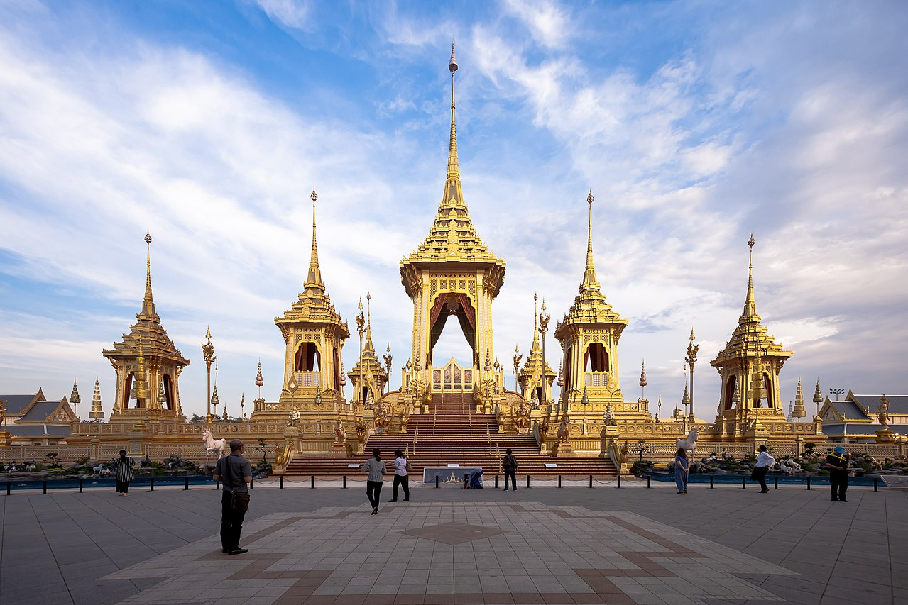 Top 10 Things to do in Thailand: Visit the Grand Palace in Bangkok